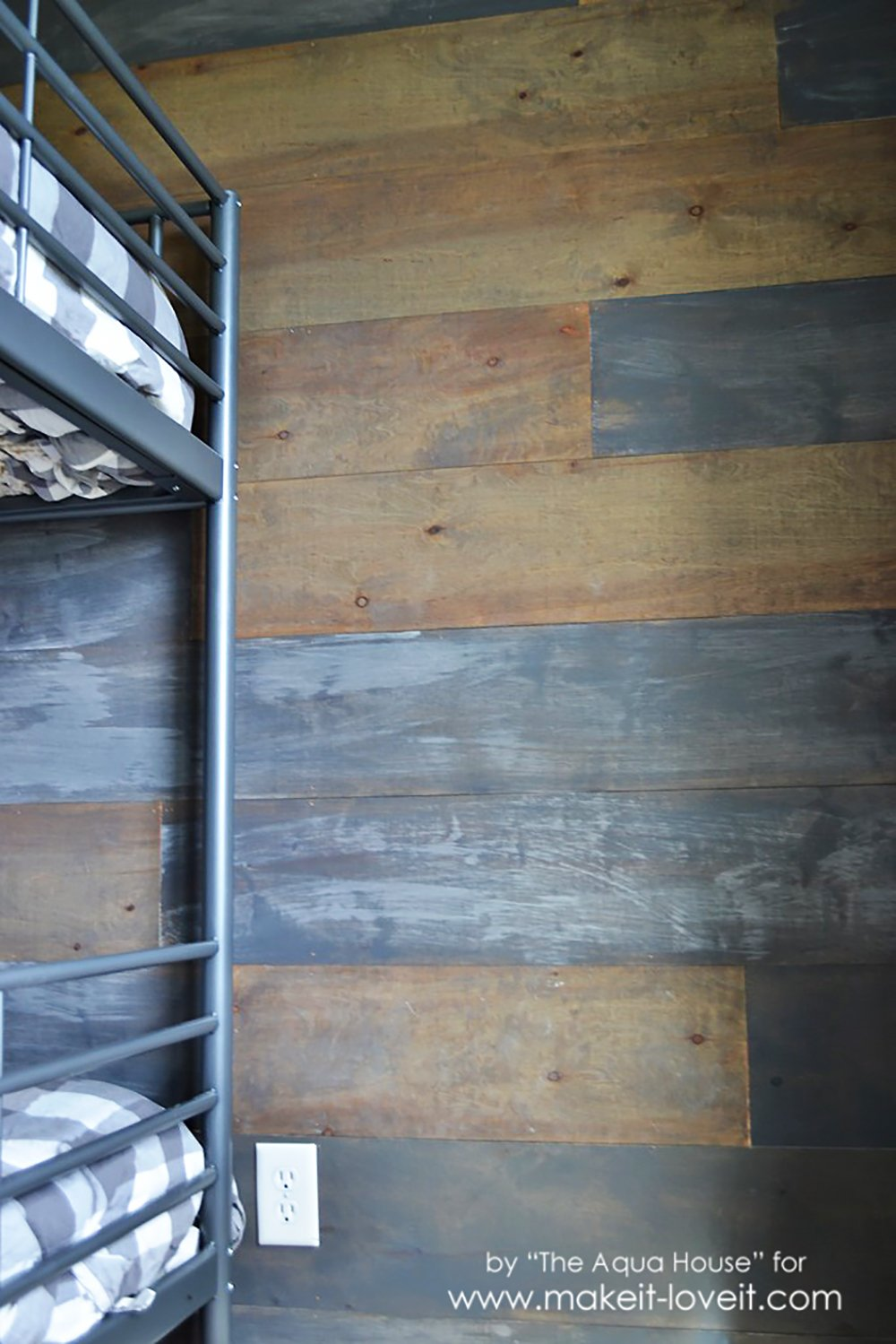 How to Make a Faux Barn Wood Wall | via www.makeit-loveit.com