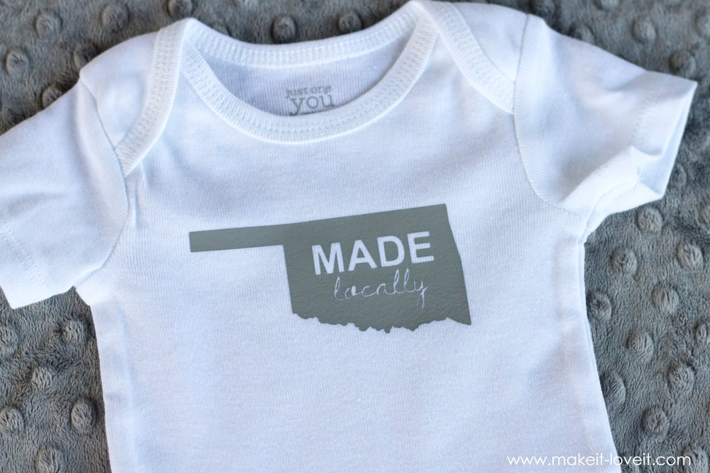 A QUICK Homemade Baby Gift (...digital files included!) | via www.makeit-loveit.com