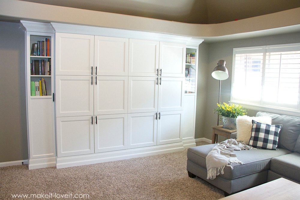 How to Turn Ikea Bookshelves into Custom Built-Ins | via www.makeit-