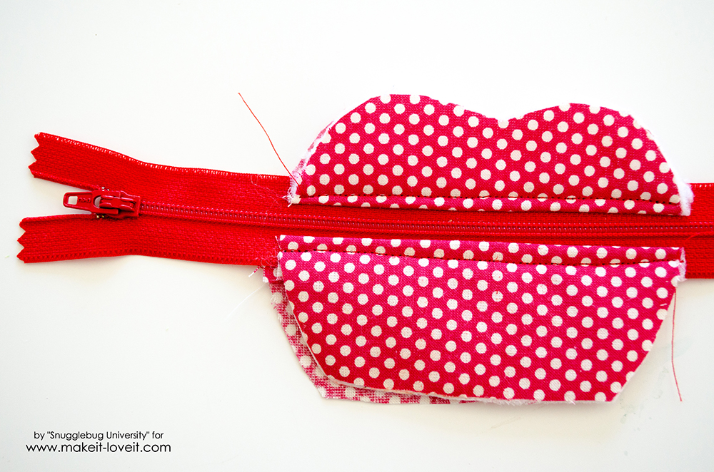 Lunch Money Apple Zippered pouch tutorial (17)