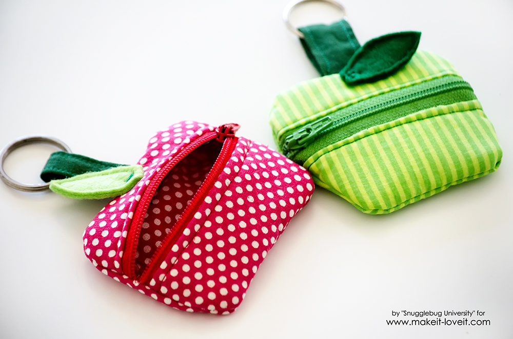 How to make a Lunch Money Zippered Apple Pouch | via www.makeit-loveit.com