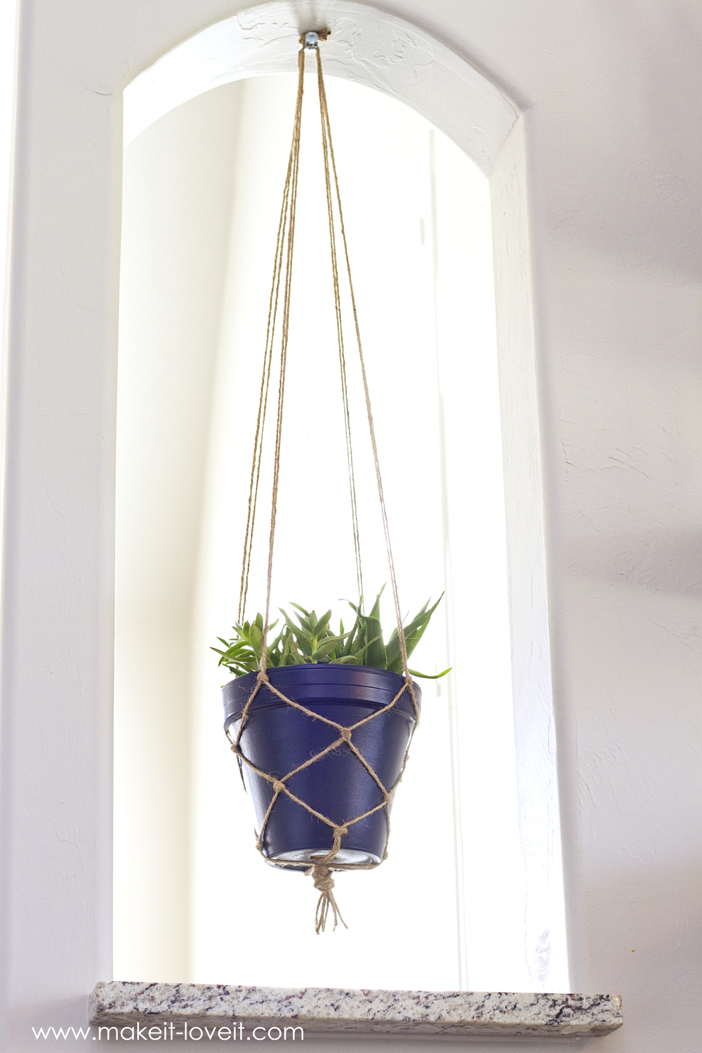 Find a strong, weather-resistant cord to make your plant holder. Macramé cord, nylon clothesline and jute are all able to support the weight of a plant and resist wear from rain, snow and ice. To wash your plant hanger, soak it in a bucket of warm water and 1 tbsp of mild detergent.