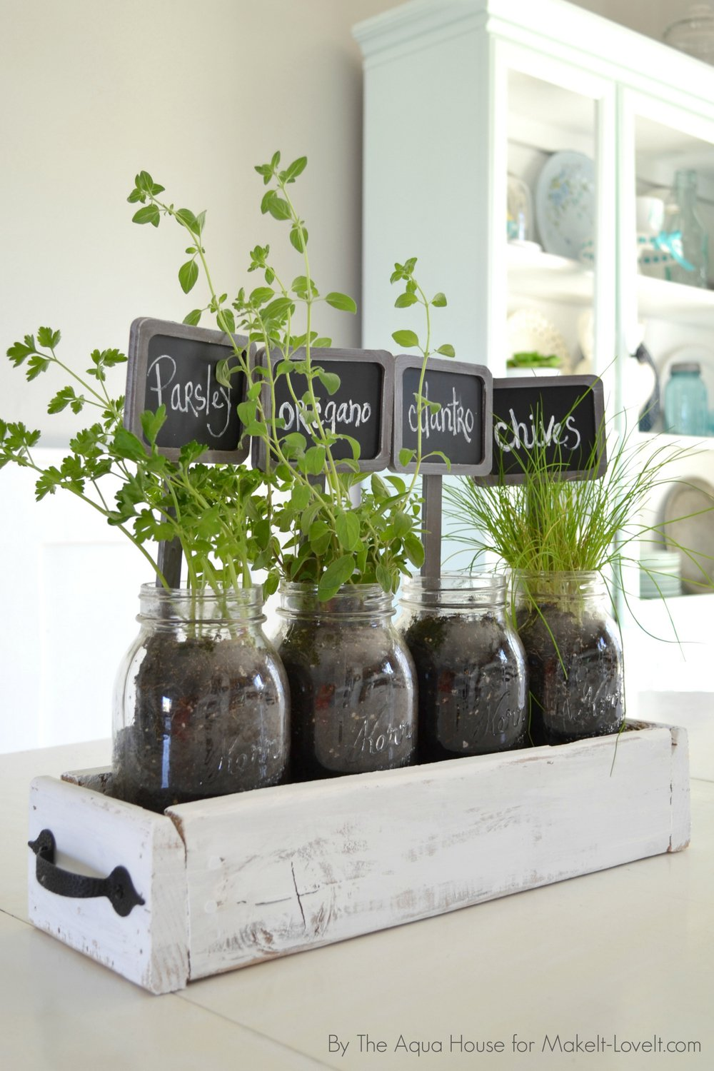 table-top-herb-garden-from-old-pallet-4