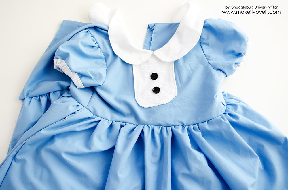 Alice in Wonderland Costumes for the Whole Family (17)