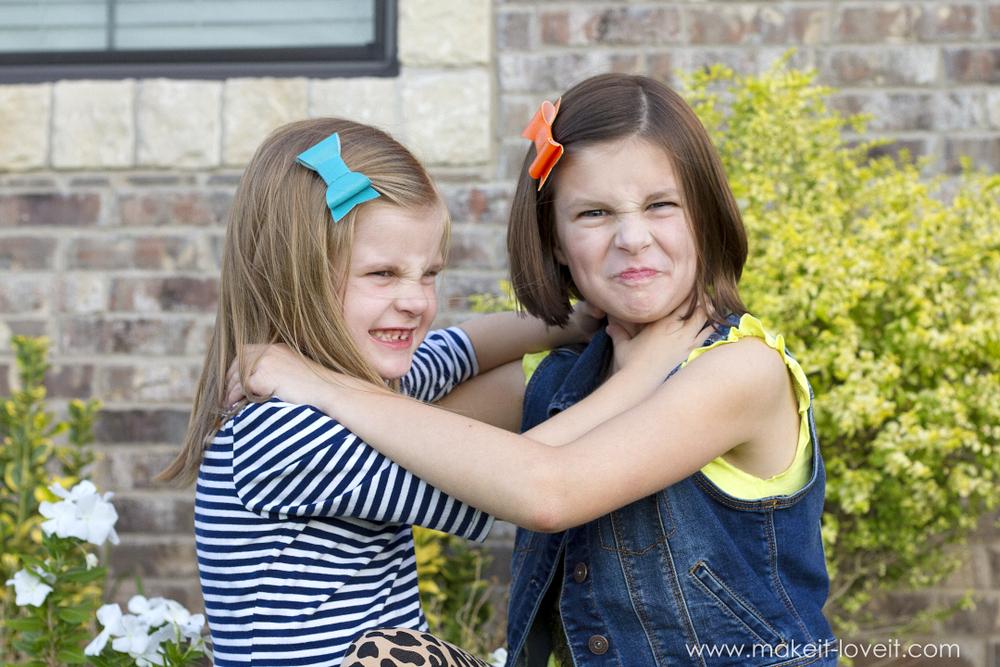 DIY Vinyl Hair Bows...for BACK-TO-SCHOOL!! | via www.makeit-loveit.com
