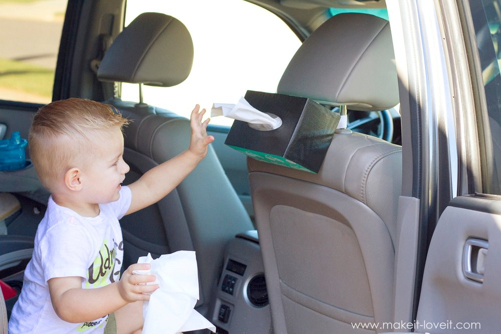 10-Minute DIY: Hanging Tissue Box Holder...for the CAR!! | via makeit-loveit.com