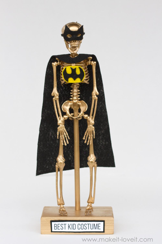 Halloween Costume Award Trophies, PART 2 | via www.makeit-loveit.com