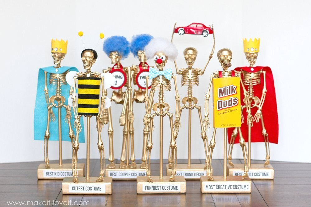 Halloween Costume Award Trophies, PART 2 | Make It and Love It