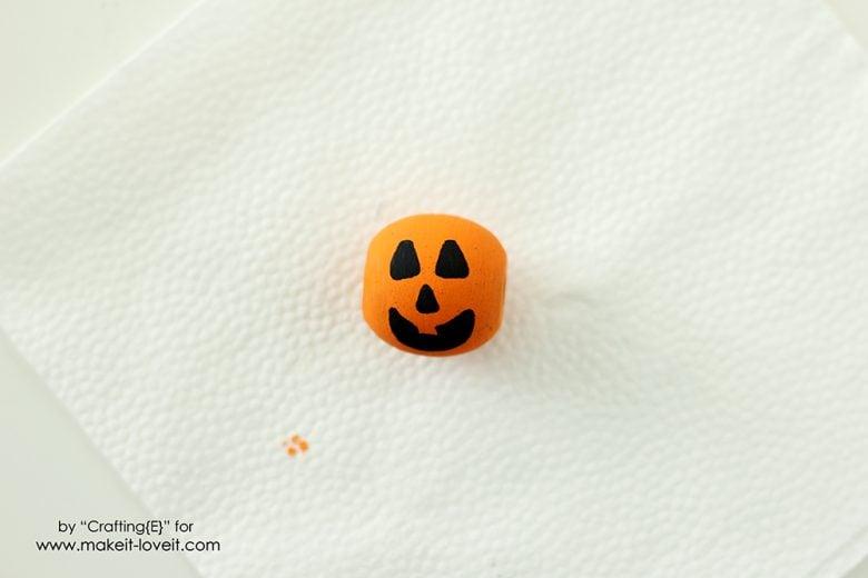 wooden-bead-halloween-necklaces-5