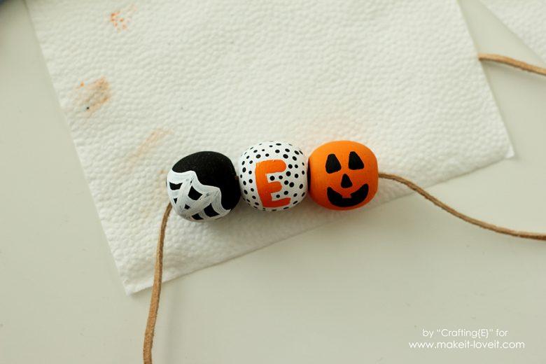 wooden-bead-halloween-necklaces-6
