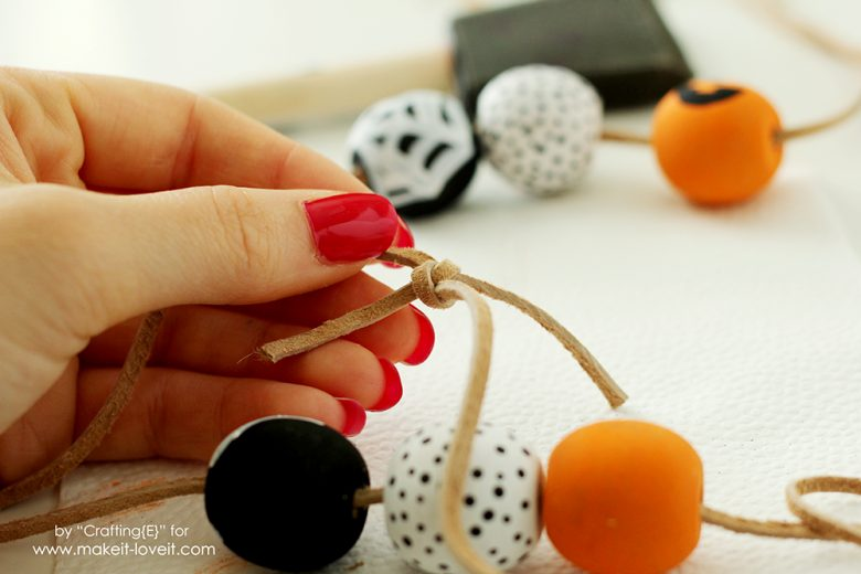 wooden-bead-halloween-necklaces-7