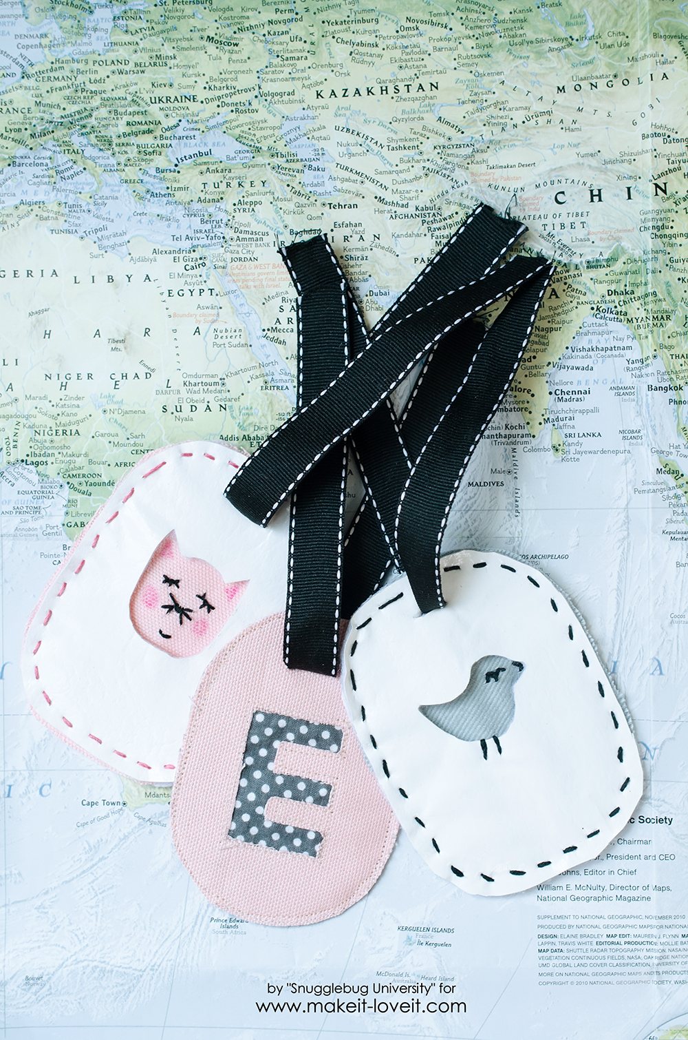 Easy Personalized Luggage Tags | via www.makeit-loveit.com