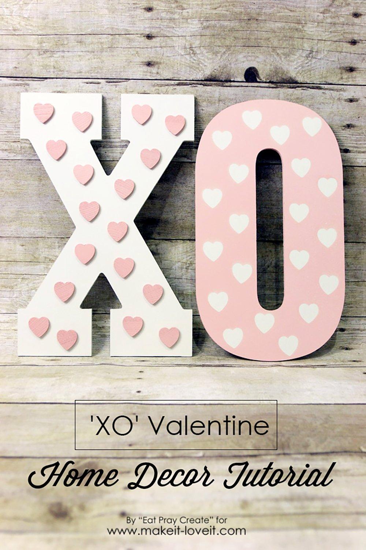 'XO' Valentine Home Decor Tutorial | via www.makeit-loveit.com