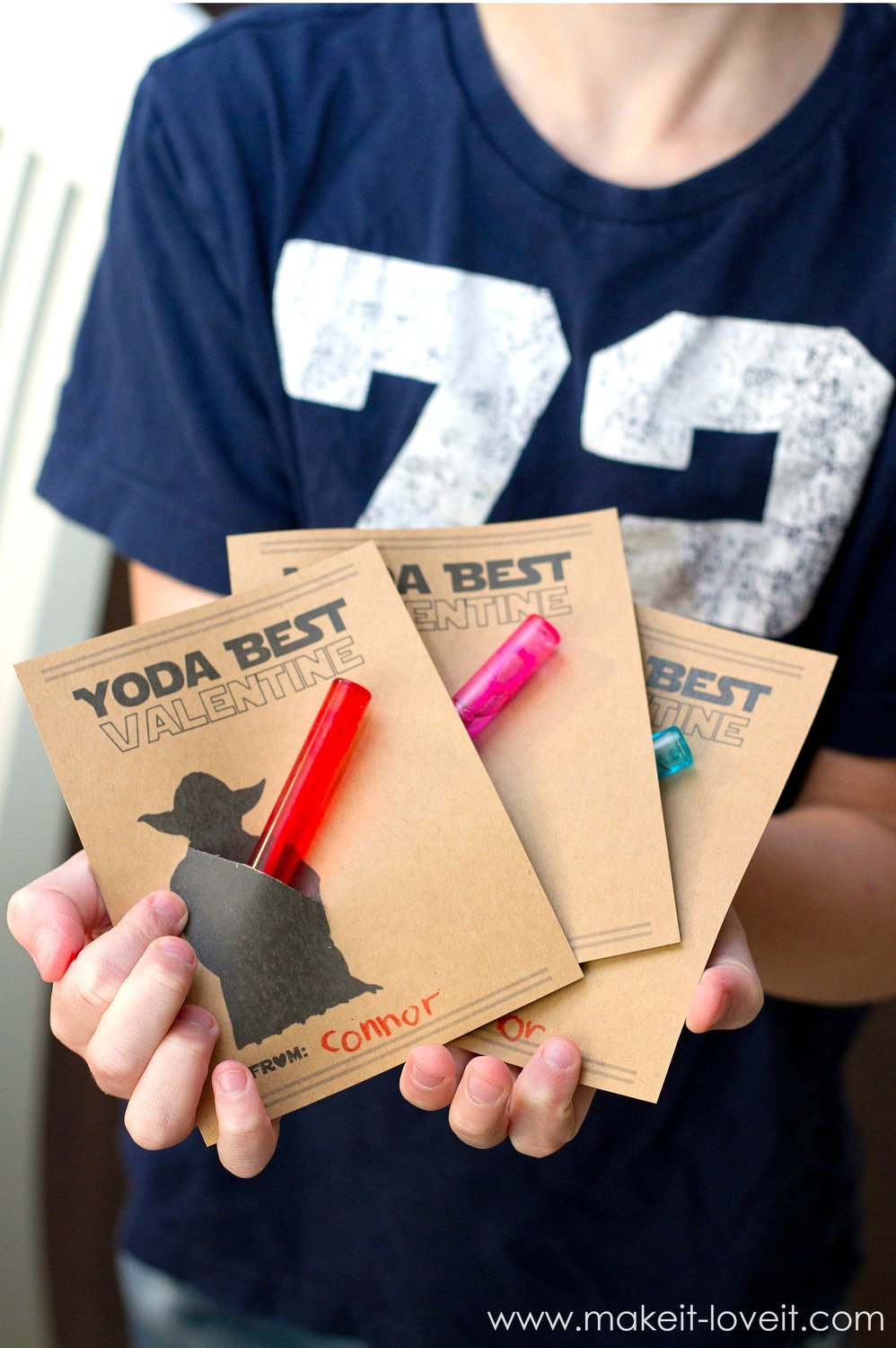 "F R E E Valentine Card Printables (…""Star Wars"" and ""gummy worm"" themes!)"