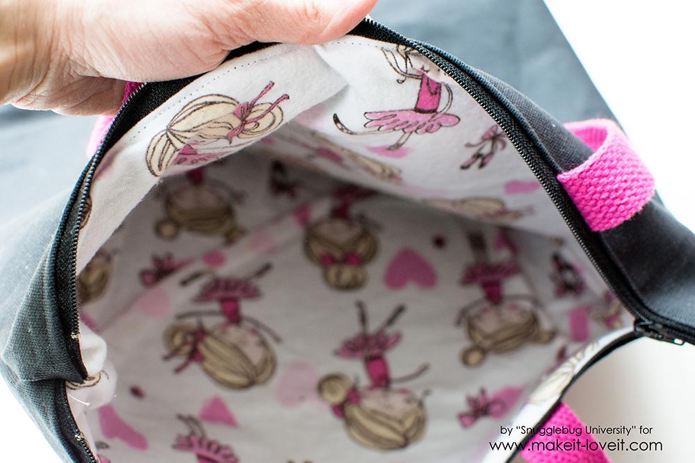 Zippered Tote Bag Tutorial | via www.makeit-loveit.com