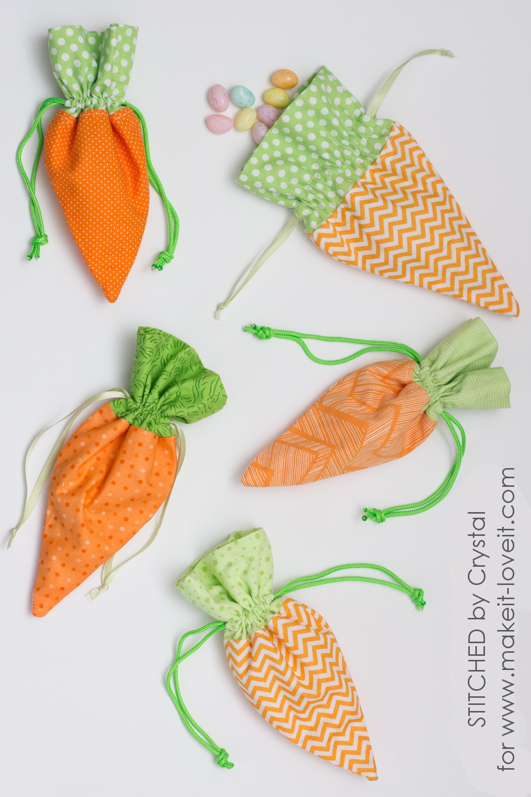 Sew a DIY Carrot Treat Bag for Easter! | via www.makeit-loveit.com