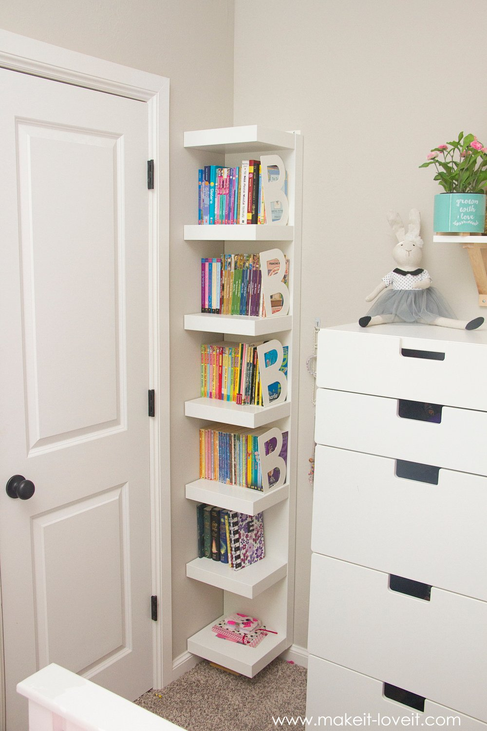 Ideas for a shared girl 39 s bedroom finally complete for Bookshelf layout ideas